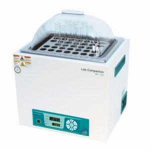 Vodní lázně s termoregulátorem